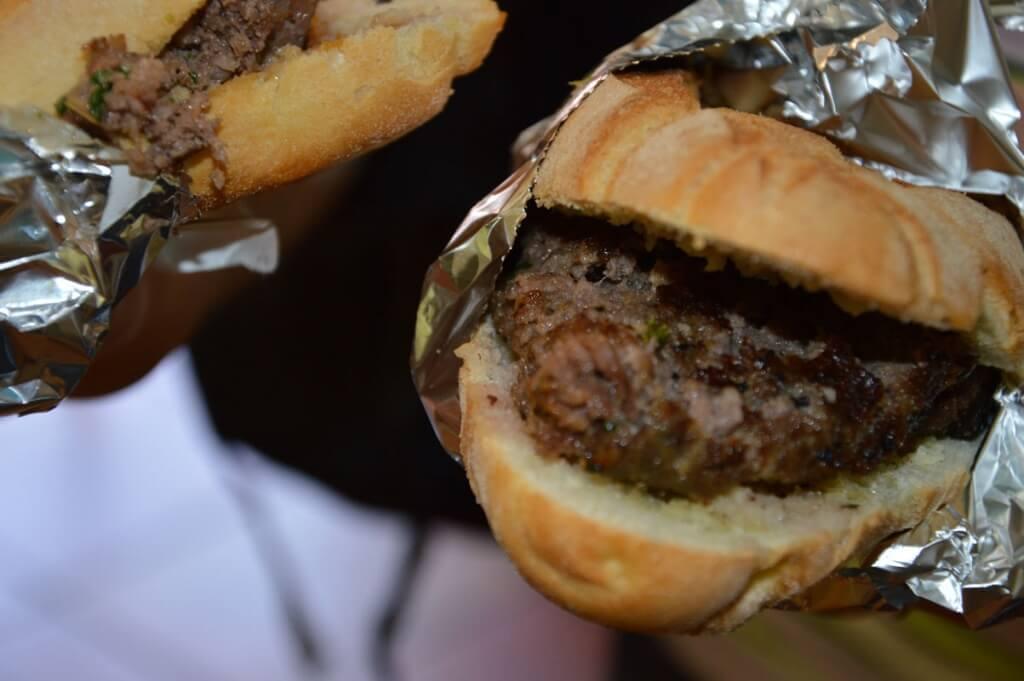 street-food-siciliano-panini-carne-cavallo