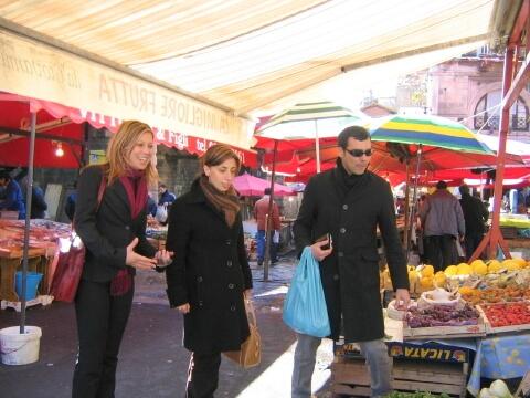 El mercado del pescado a lado del B&B Catania Globetrotter